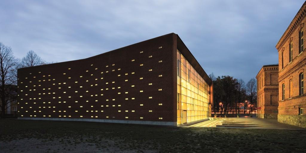 /var/userdata/web/hbmek.hu/website/www/wp content/uploads/2016/03/parnu city centre sports hall kavakava 002